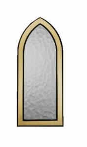 Kiven sisään tehtävä kynttiläpaikka (vasempaan kivenpalaan), kullansävyinen