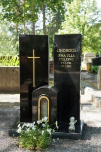 hautakivet kategoriassa hillitysti erilaista